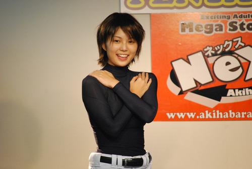 http://livedoor.blogimg.jp/akihabara_nex/imgs/1/6/1658b41c-s.jpg