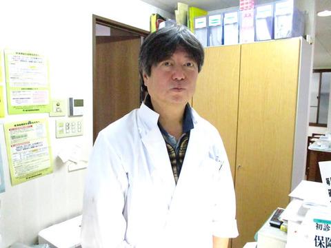 国立市あきひろ歯科医院・歯科医師写真1