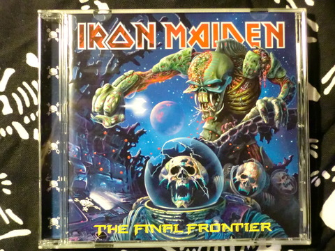 IRON MAIDEN-THE FINAL FRONTIER-cover
