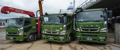 トラック全体3台3-crop-u17144