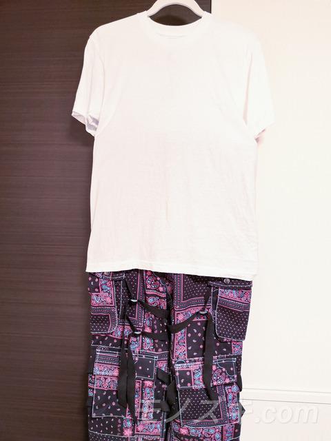 ROGIC ペイズリーパンツ Tシャツコーデ