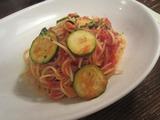 ズッキーニとツナのトマトソース。