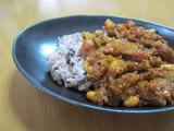 定番豆カレー。