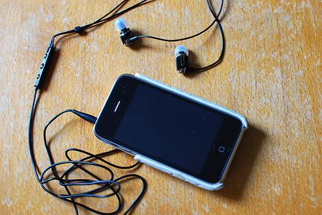 ヘッドフォンとiPhone