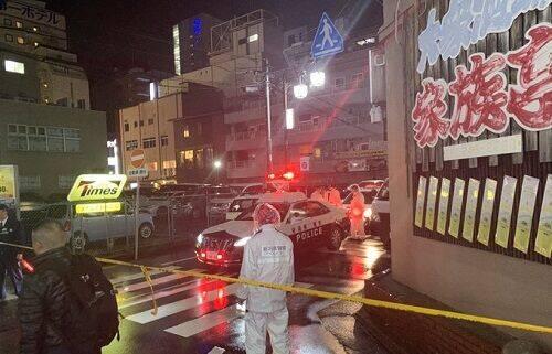 【騒然】新潟駅前のビルで20代女性が複数回刺され死亡!犯人は逃走中で3人組の男が待ち伏せか