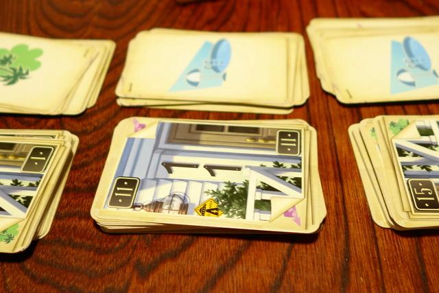 11のカードとプールのアイコンカードの写真