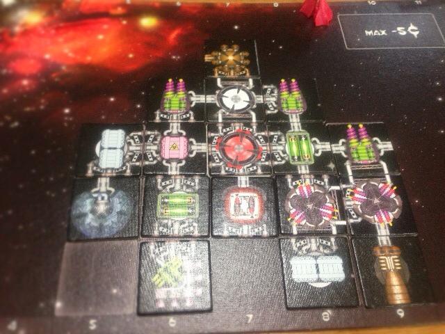 ラウンド1の完成した宇宙船の写真