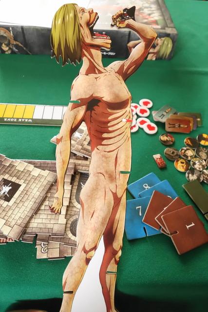 進撃の巨人ボードゲームの巨人フィギュア