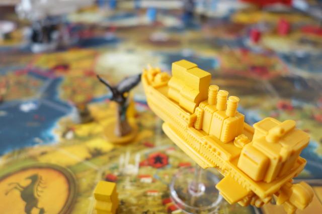 ボードゲーム「大鎌戦役:サイズ」の飛行船でのプレイの様子