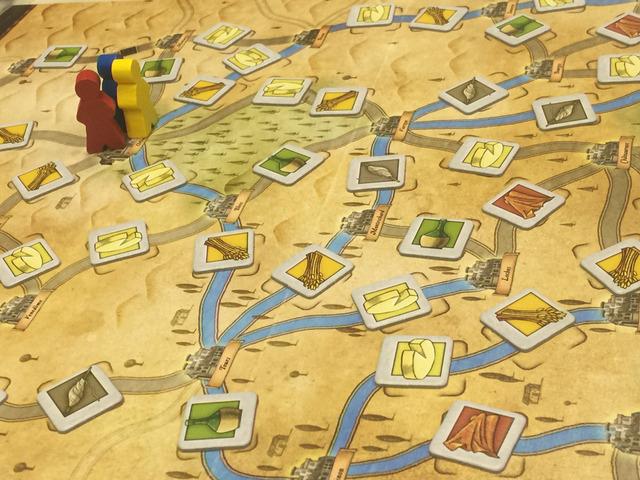 中央ボードの街や水路のマップ写真