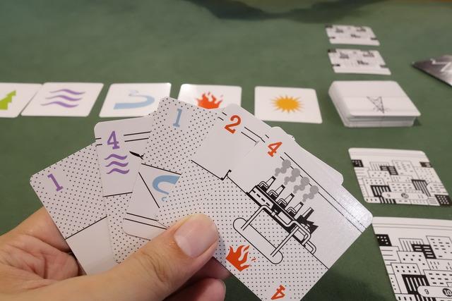 2人用ボードゲーム「ハツデン」の手札