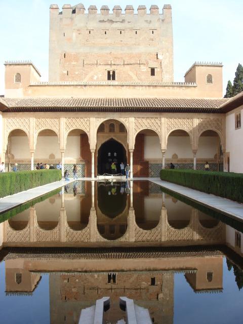 本物のアルハンブラ宮殿