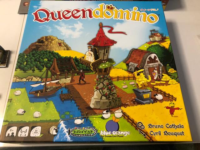 ボードゲーム【クイーンドミノ】の箱