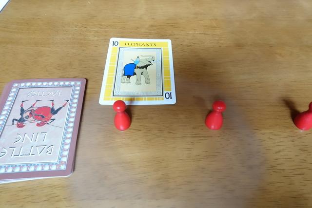 相手が黄色の10のカードを出した写真