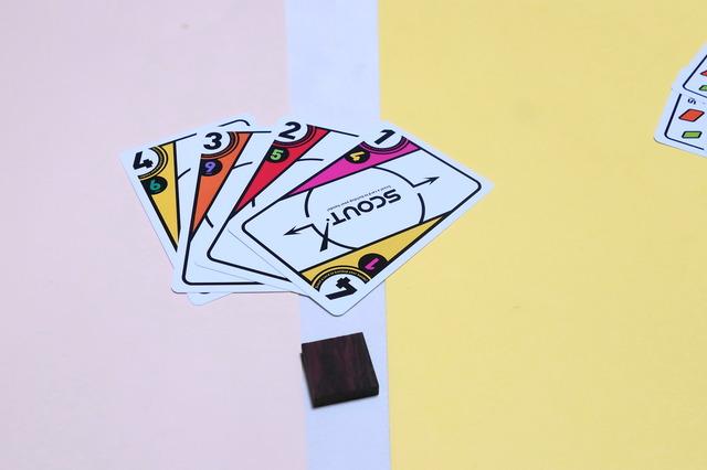 4枚のカードをプレイしたところ