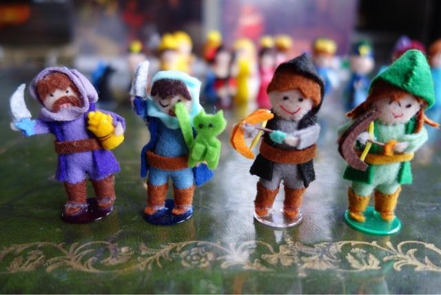 盗賊とアーチャーの人形
