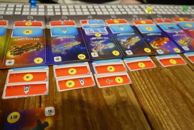 矢印アイコンがついた艦隊カード
