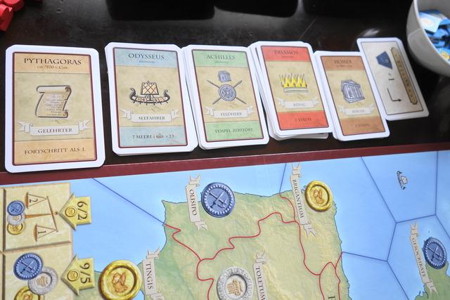 偉人カード5種が並んでおかれている写真