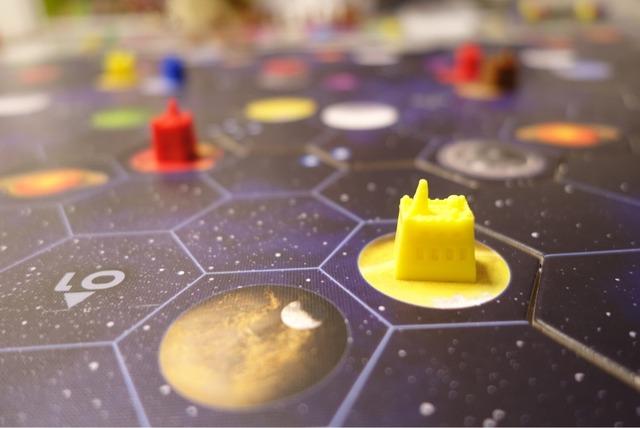 鉱石採掘場コマを惑星に置いた写真