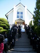 式場からの階段2