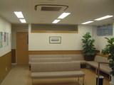 中神内科呼吸器科待合室