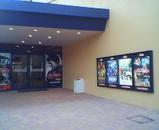 映画館外2