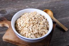 最近流行りのオートミール 栄養は? ダイエット効果は高いの?