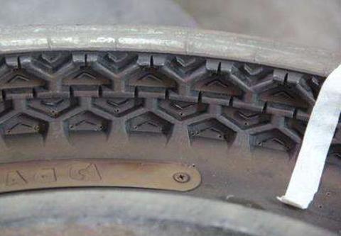 タイヤ金型洗浄前