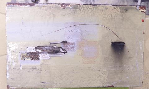 分厚い塗装の鉄骨