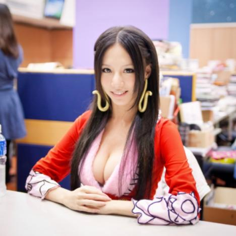 114601__468x_one-piece-boa-hancock-cosplay-by-sunny-lin-06
