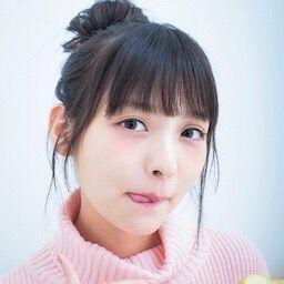 おっぱい出して頭でタマゴ割ってる韓国人美女