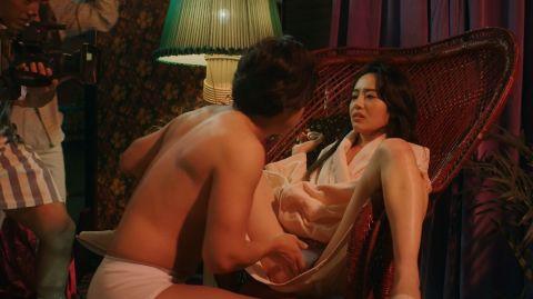 森田望智、「全裸監督」乳首ヌードを晒した濡れ場セックス全シーン!手マン、オナニー、駅弁ファック、10時間も裸でいたAV撮影シーンがコチラ