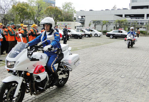 【悲報】警察の白バイと接触事故→ その後がやばい…(画像あり)