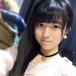 【画像】学校で元気いっぱいな女子高生ちゃん