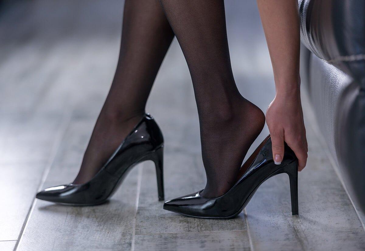 履き方わからなくて困惑する人多数の靴がこちらwwwwwwwwww
