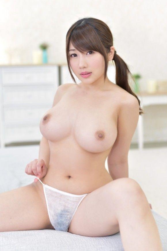 AV女優・霧島さくらがバスト100cmなのに性格もいいと評判