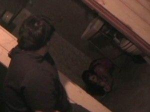 """男がアップした """"地下室で縛られ泣き叫ぶ少女"""" のビデオ、2009年に行方不明になった15歳の女の子の可能性"""