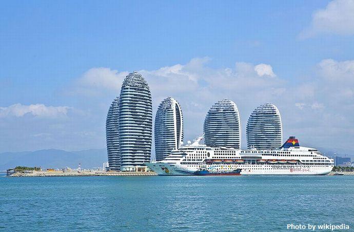 中国の南シナ海への最前線基地「鳳凰島」に愛国クルーズ、ますます進む軍事拠点化!