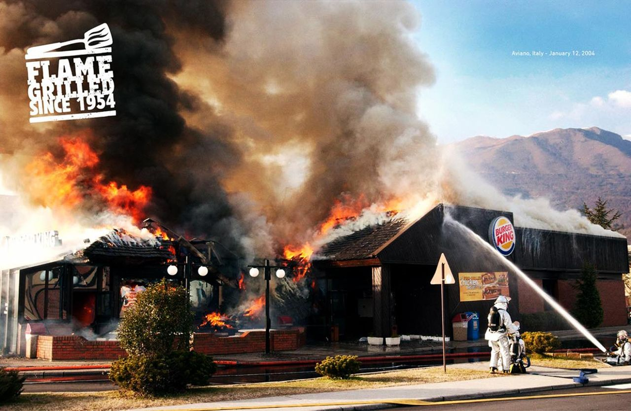 バーガーキングが店舗の火事の写真を宣伝に使用 出火原因は肉を美味しく焼く為の炭火とアピール