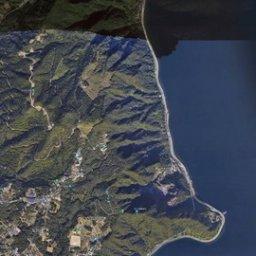 【悲報】Googleマップさん、駐車場をショートカットコースにし山の陰を湖にしてしまう