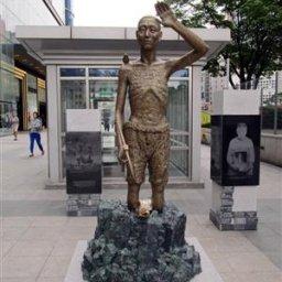 韓国政府「そうだ!日本さん、徴用工財団を作ろう!これで完全解決するよ!日韓友好!」⇒ 日本政府「取り敢えず制裁するから耐えれたら考えるわ」