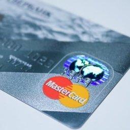 クレジットカードって消費者には利点しかないのに、それでも使わない人が存在する不思議