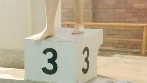 【放送事故】上白石萌歌(19)、ドラマでマン筋を晒してしまう…2ch「水着薄過ぎだろ!」「まだ未成年なのに…」