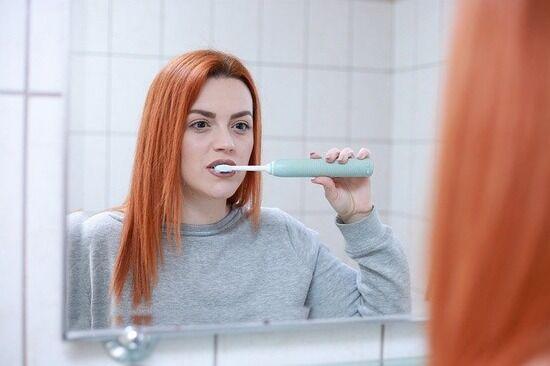 最近の若者「さ、昼食べ終わったし職場のトイレで歯磨くか」ぼく「ええ…」