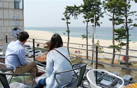 海辺の町にコーヒーの香り 平昌五輪で外国人観光客誘致[5/19]