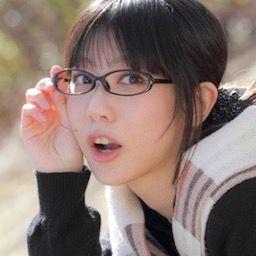 グラドル紺野栞がソフマップでバスト90cmから100cmに成長したことを着衣で報告!