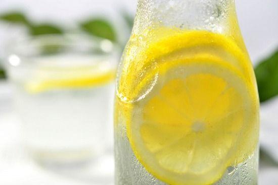 ワイラーメン屋担当大臣、全国のお冷をレモン水に統一