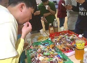 お菓子食べ過ぎ (1)