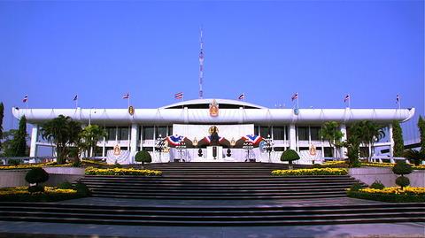 800px-Thai_Parliament_House
