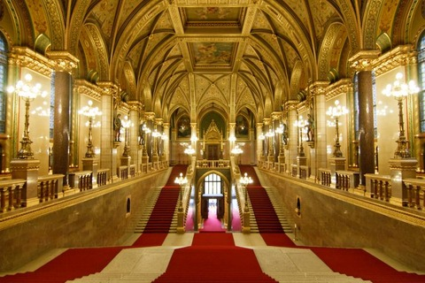 Hungarian-Parliament-Buildings-2091